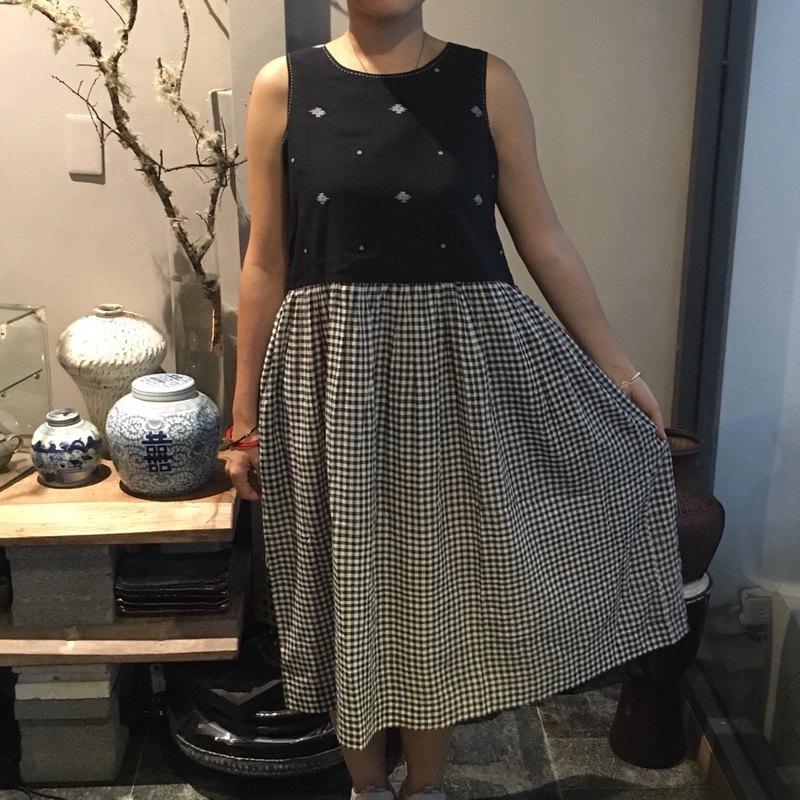 DVE  黑白背心款氣質洋裝印度精品 (印度棉/Jamdani/hand loom)