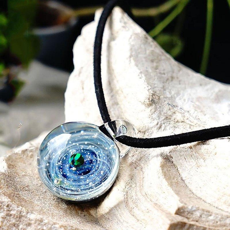 一個只為你的星球。黑色尼泊爾Ver星雲玻璃吊墜宇宙小星星瑪瑙日本製造日本手工藝品生產手工免費送貨