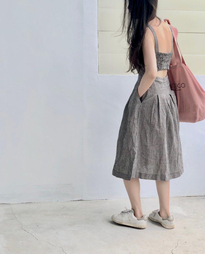 復古黑白小格露背洋裝