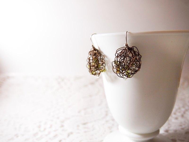 訂製手工編織銅線膠小珠耳環 ● 香港製造