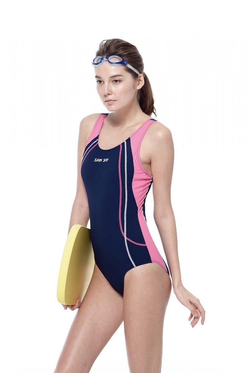 MIT 泡湯SPA 大女連身三角低叉泳裝