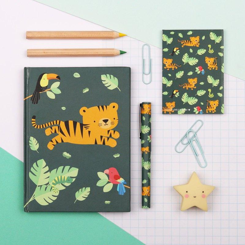 -可愛療癒文具組令人不禁莞爾一笑 -包含精裝筆記本、速記小本本、原子筆 -非常適合在家、在學校或外出使用 -拉鍊袋包裝送禮自用兩相宜 -可搭配通系列筆袋、背包使用