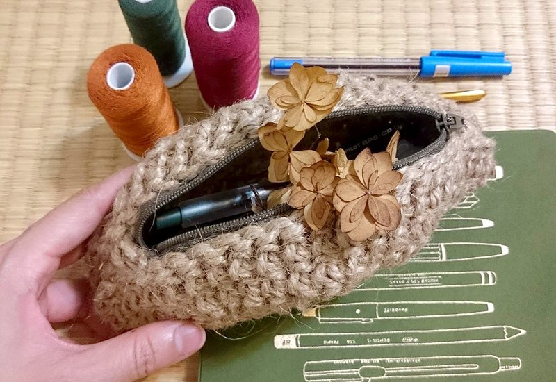 手工麻繩圓形編織立體半月形筆袋