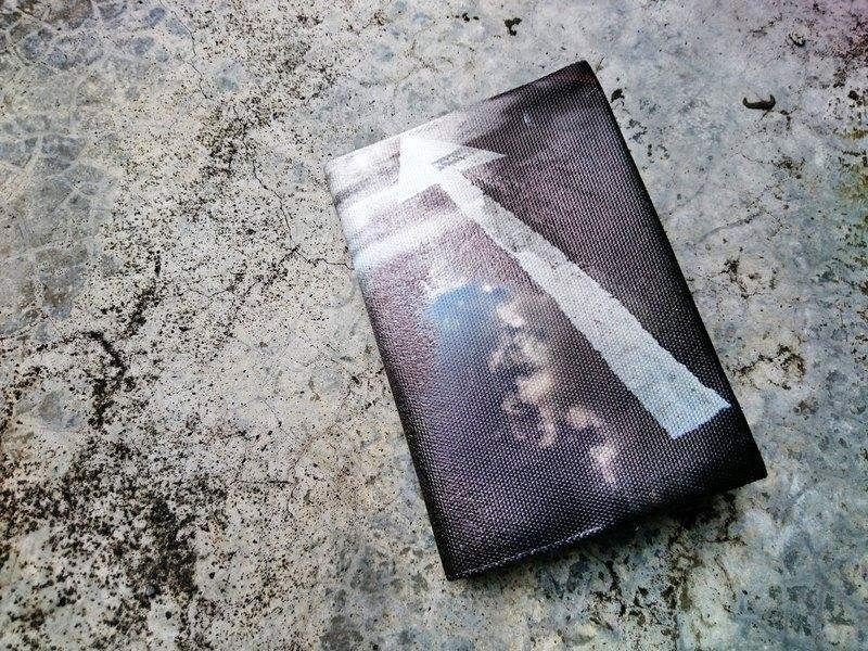<雨過天青> 護照緊身衣