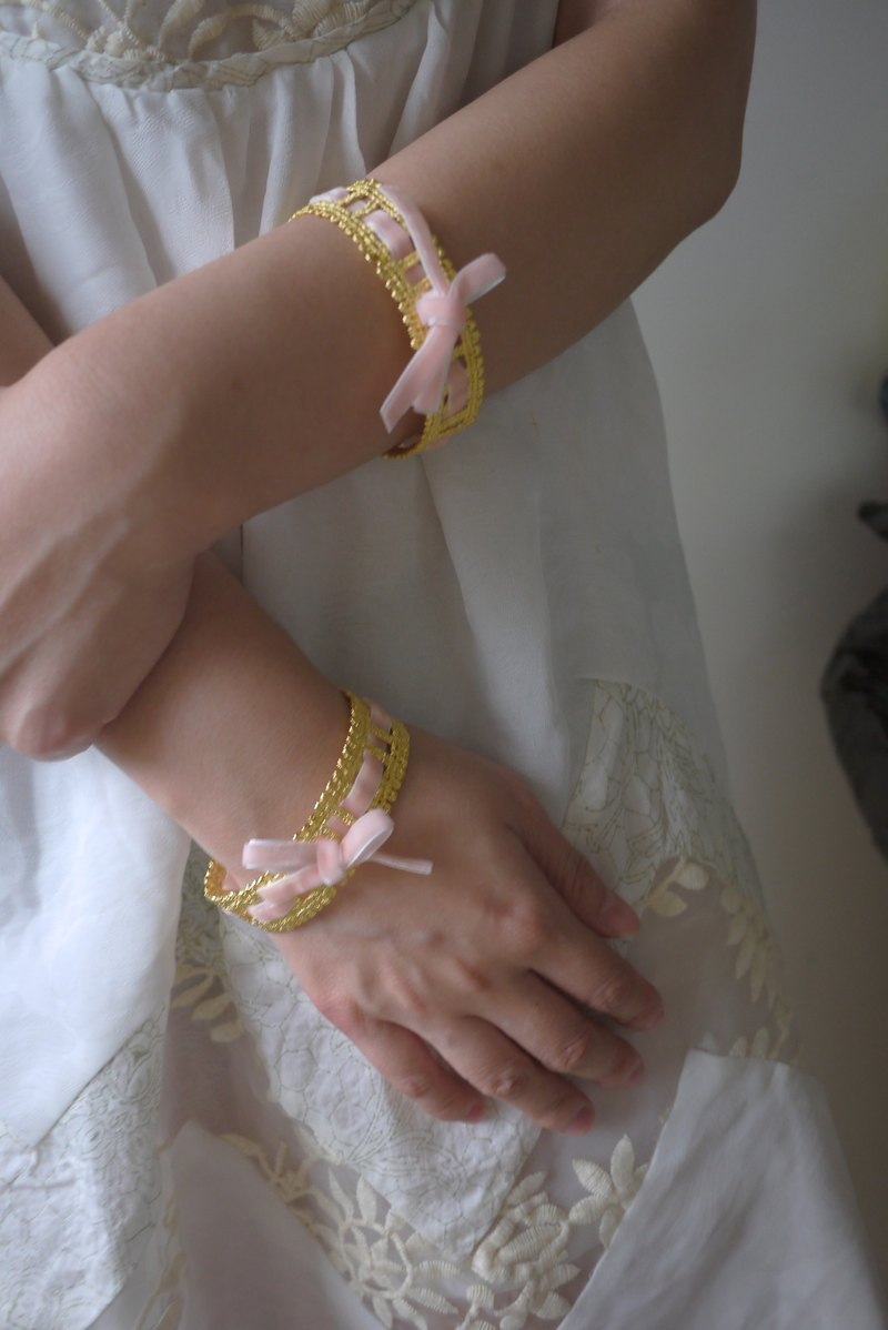 芭蕾緞帶蕾絲金屬手環/銅鍍20K金粉色_Choccy