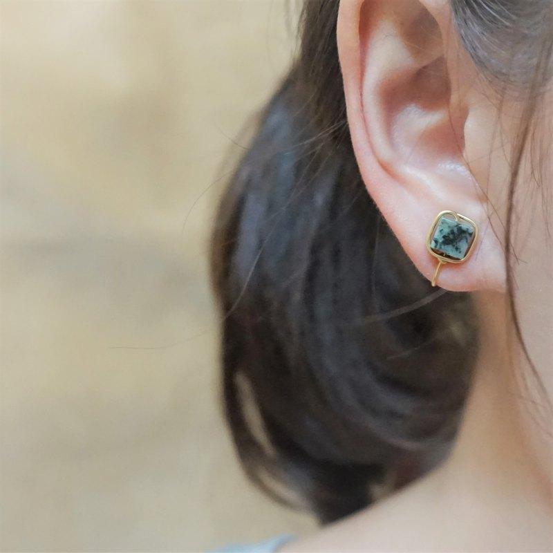 << 金線框耳夾 - 非洲松石 >> 6mm非洲松石 ( 另有耳針款 )