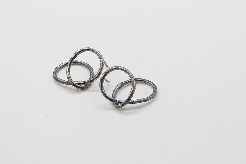 立體幾何系列 摺疊圓形 氧化銀耳環 簡約風格 925純銀 手工做
