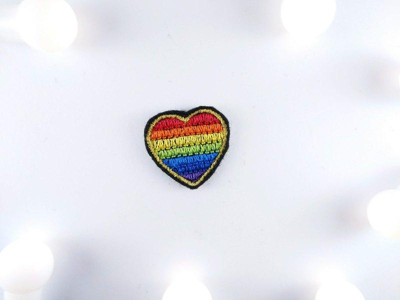 彩虹 刺繡貼片 燙片貼布 補丁 燙布片 衣服 夾克 胸針