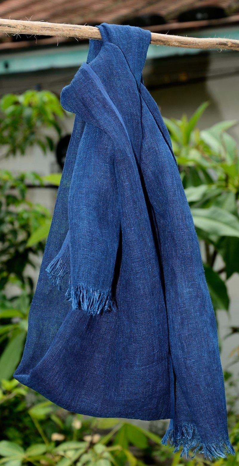 藍染植物染亞麻圍巾帶有亞麻原色比較細軟