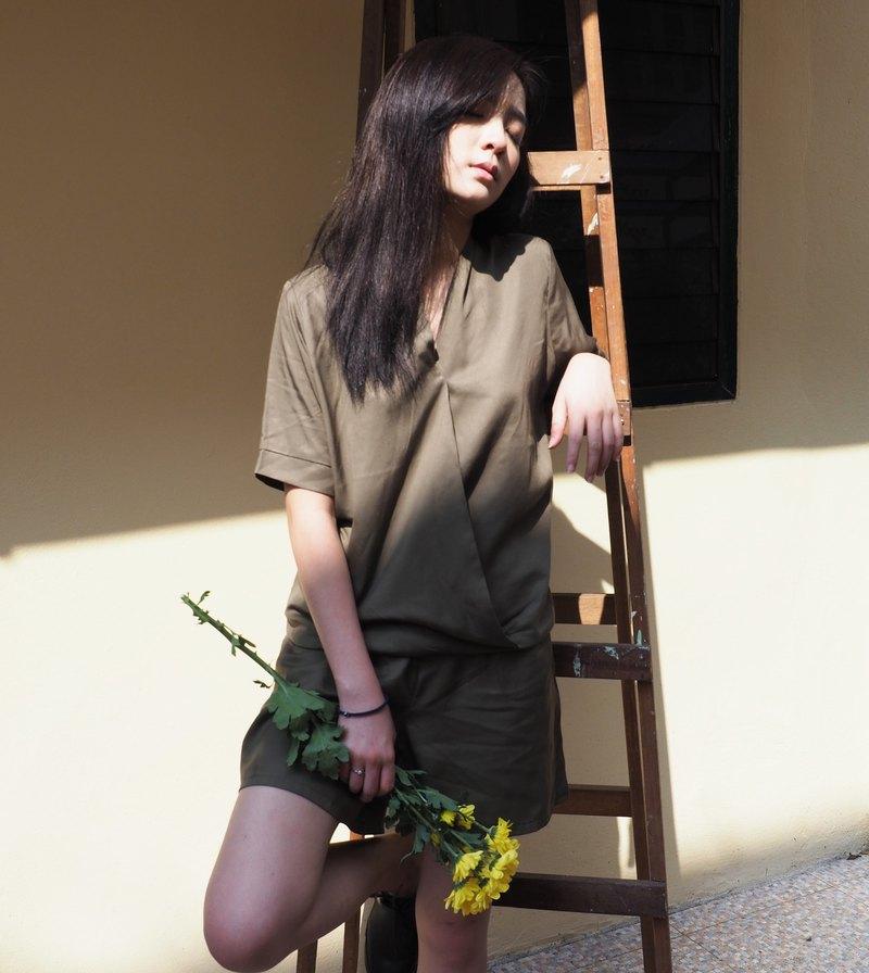 halve 橄欖綠 A 套裝 / 嫘縈布料