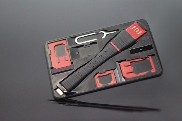 CS1 Pro SIM 轉接卡/隨身碟/充電傳輸工具組 - 附Lightning充電頭