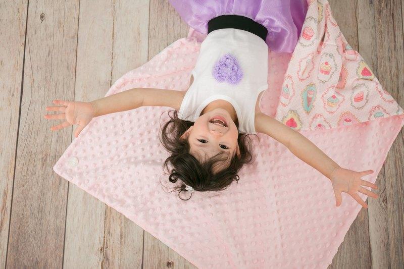 Minky多功能 點點顆粒 攜帶毯嬰兒毯冷氣毯被 粉色-甜點