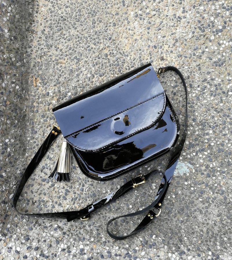 手工皮革包,馬鞍皮包,真皮包,吊帶包,黑色包,斜挎包,手工皮革