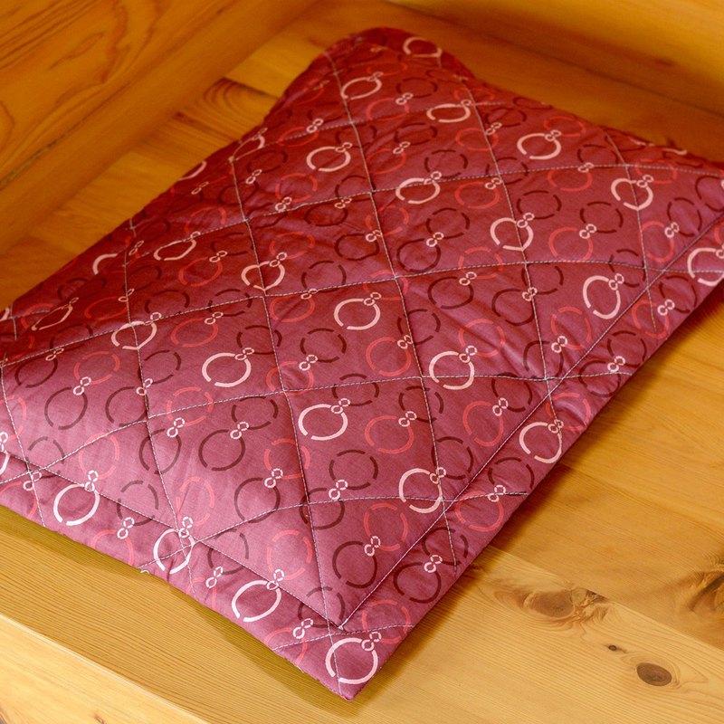 台灣檜木球珠舒活枕-典雅紅|用通過SGS檢驗合格打造臥室安心睡眠
