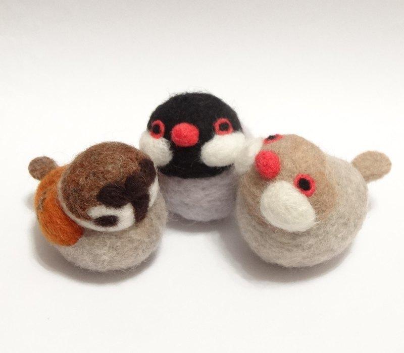 嘰嘰喳喳的麻雀和文鳥 羊毛氈擺飾