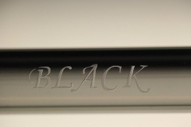 客製 黑色 玻璃吸管 手工刻字 水滴斜口精緻工法 美麗深刻 送禮