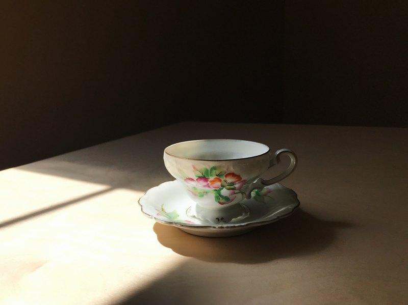 據日製造時期/ 花卉杯盤組