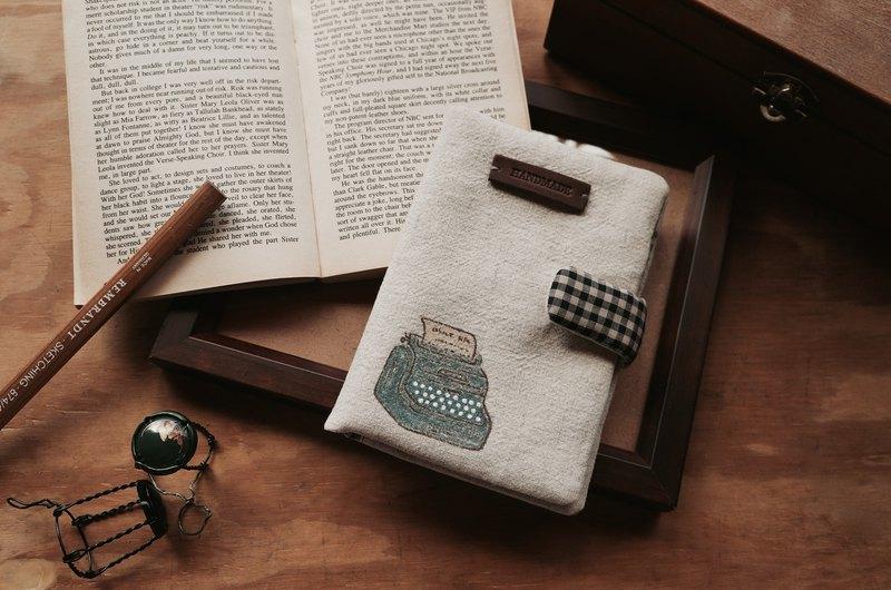 手繪經典款打字機護照夾  存摺收納