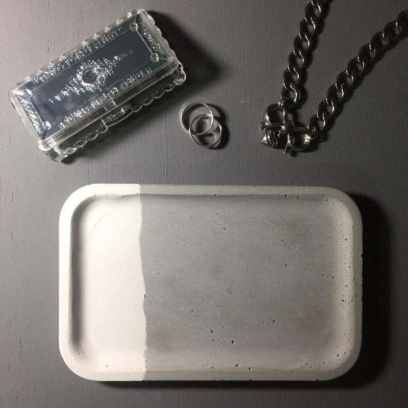 雙・對. 灰色及白色拼合 水泥長方形置物碟