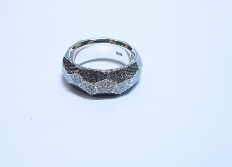 客製化 銀飾 與 珠寶~~~稜戒 (可另訂對戒)