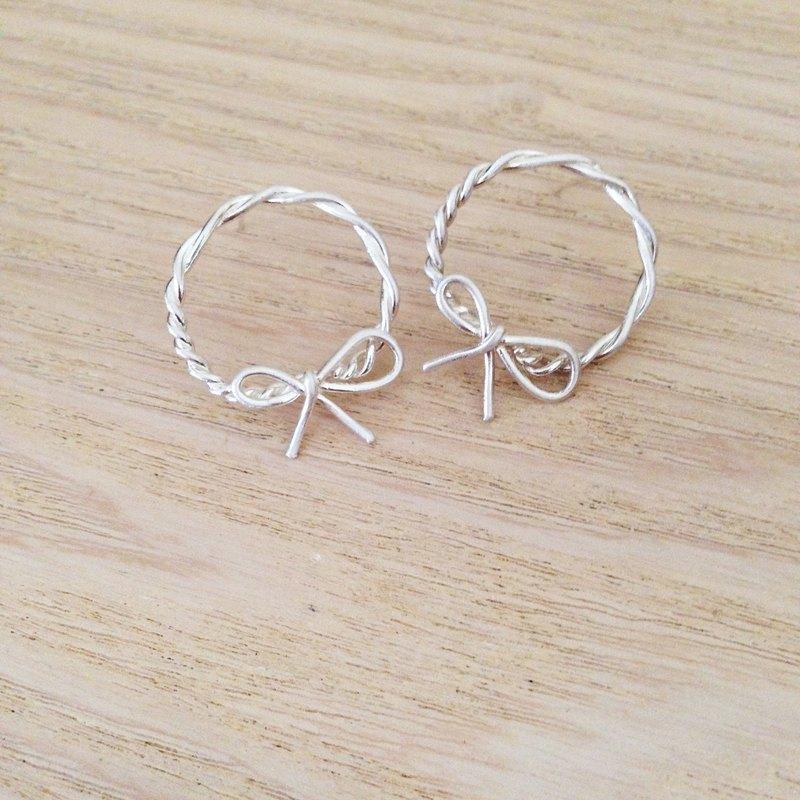 蝴蝶結圈圈純銀耳環