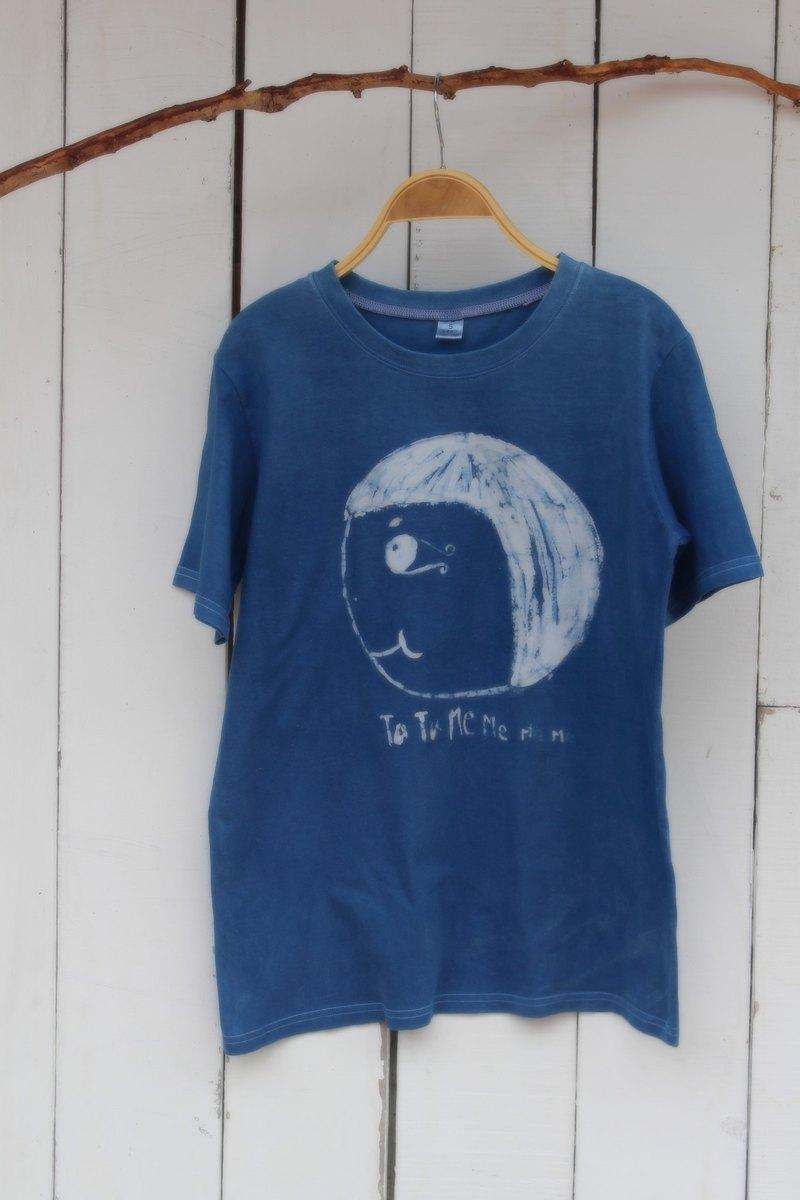 自在染isvara 手工藍染 勇氣妹妹系列 大頭妹向前衝  純棉T-shirt