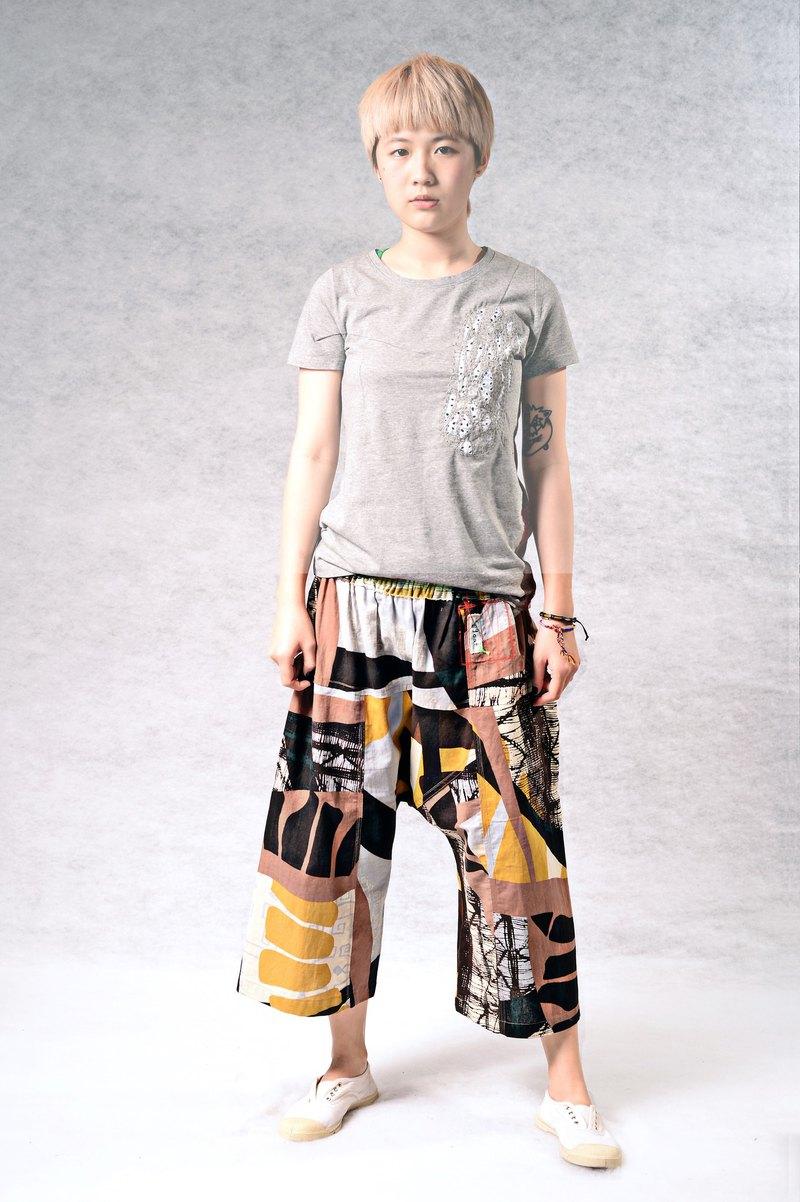 非洲風格拼接醒目 低檔大寬褲