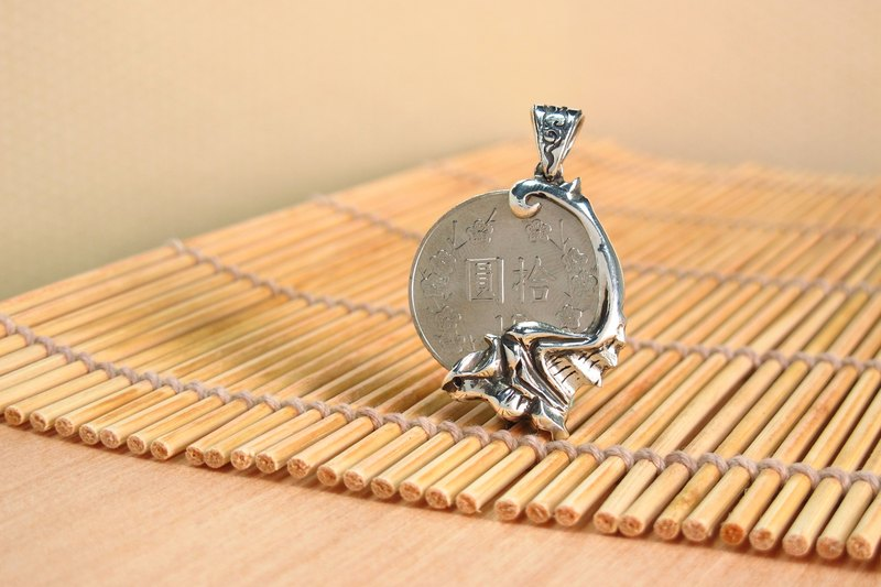 手工設計銀飾~銀元錢夾~福 蝠銀元 中國風(不含鍊) ART64