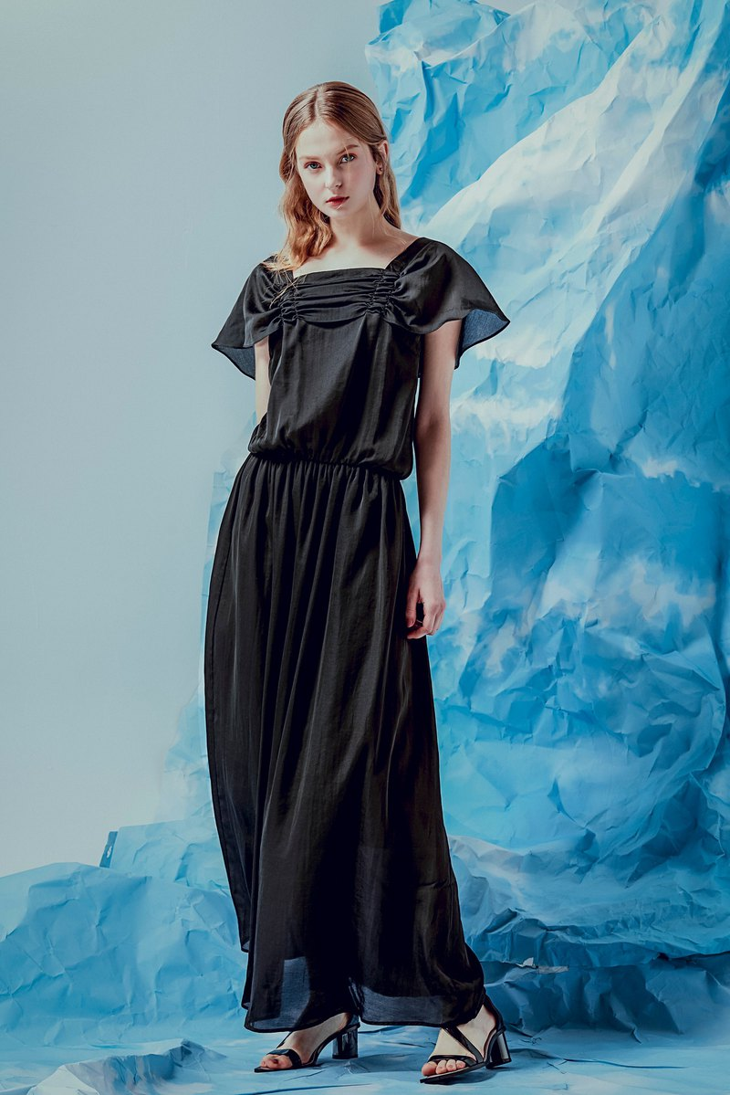 黑緞荷葉袖長洋裝