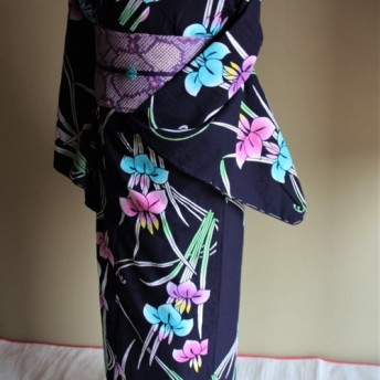 本藍染 菖蒲 正統派古典 内側からにじむ注染技法が大人の色香 裄68cm トールさんサイズ 木綿 和裁師手縫い着物