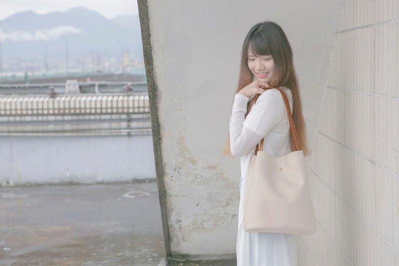 【C.L.M】純素皮革/台灣製作/長筒托特包_奶茶色