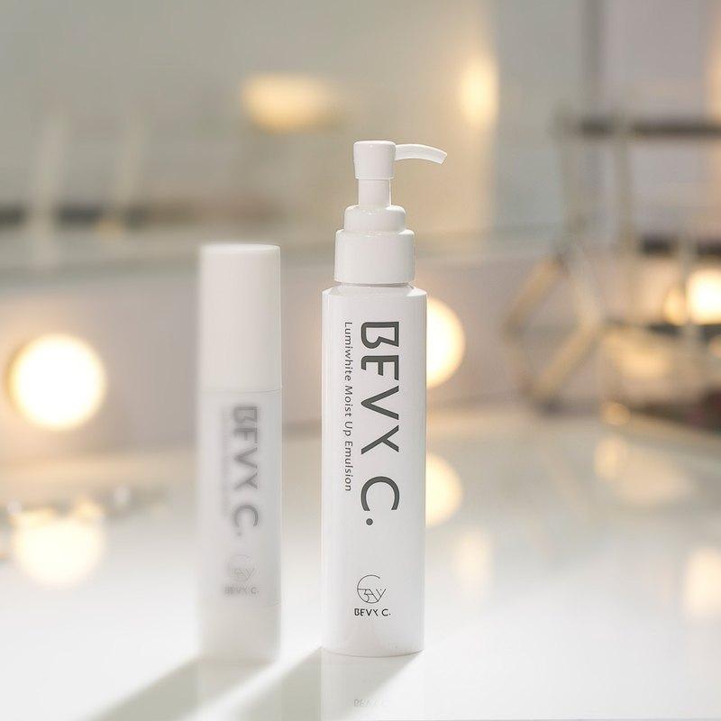 4.0大改版-光透幻白妝前保濕修護乳 100mL│輕油潤澤
