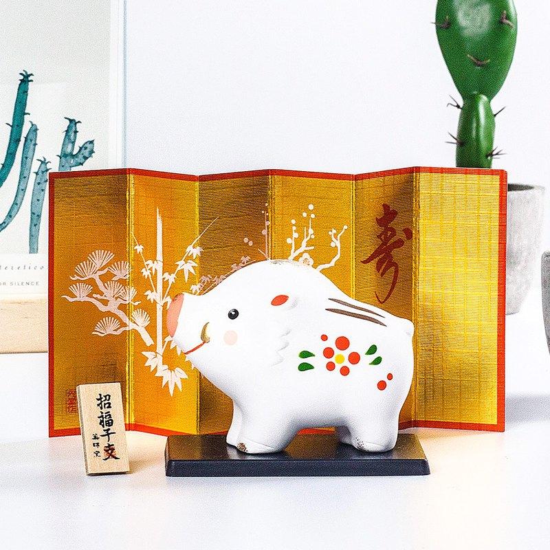 日本藥師窯錦彩紅梅陶制精緻可愛招福納財開運豬年會新年禮物擺件