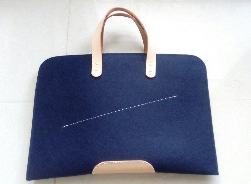 樂洋・Leyan- Effortless Chic-提把簡約13吋筆電包-曜石藍