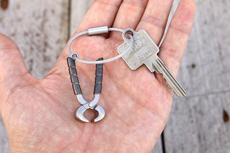 TROIKA 鑷子工具鑰匙圈