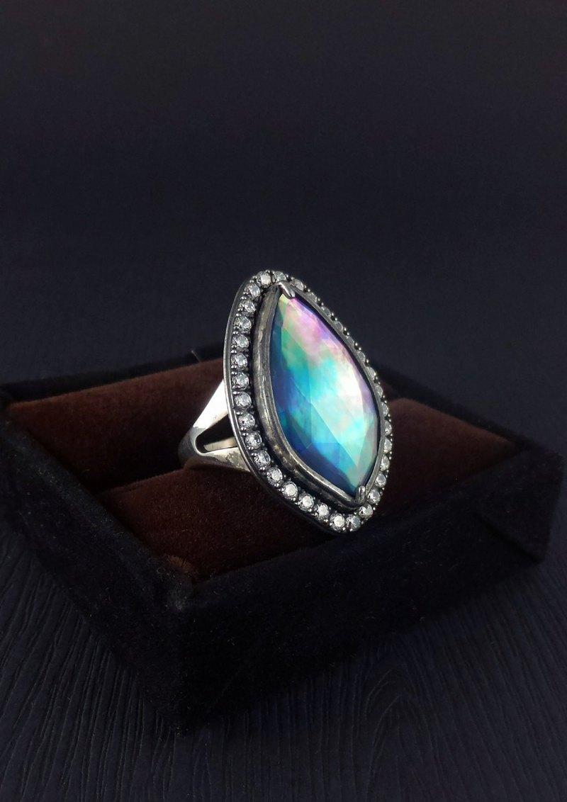珍珠母貝白水晶雙層石925純銀戒指 - 奧羅拉之願