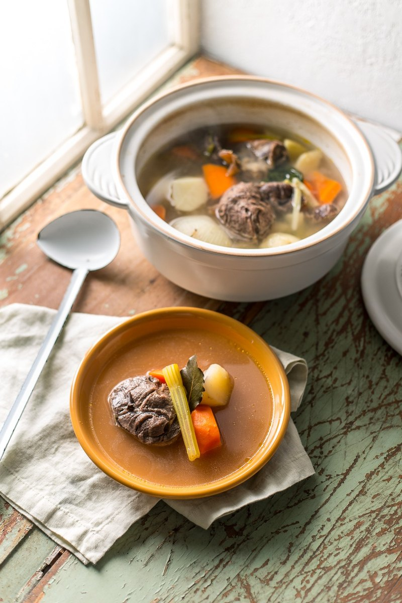 美國 AROMA DoveWare 耐熱陶作燉煮鍋 (白)  2.4L