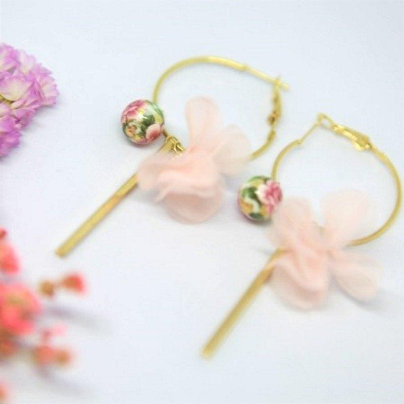 大圈耳環 配 日本入口彩繪珠 花朵流蘇 長金條