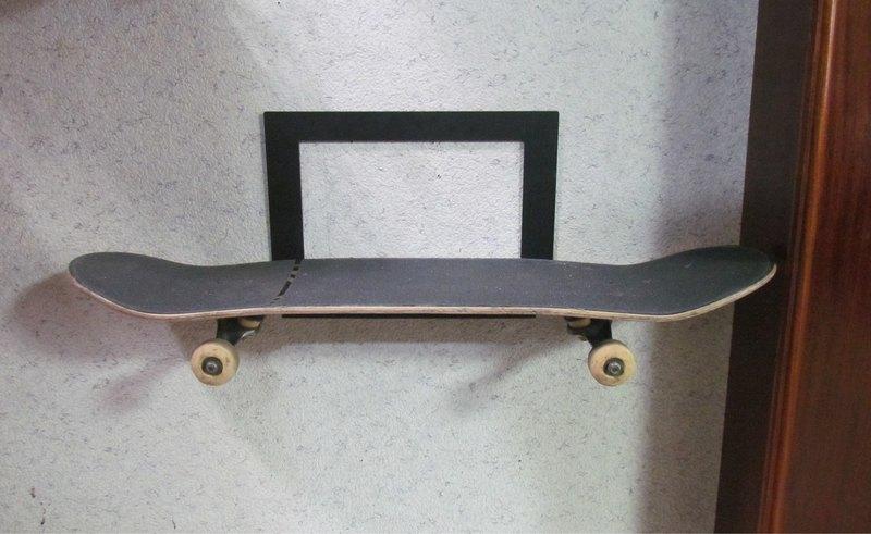特殊製品,金屬製滑板架,滑板置物架,將常用滑板收納於牆面上,亦可用於一般置物