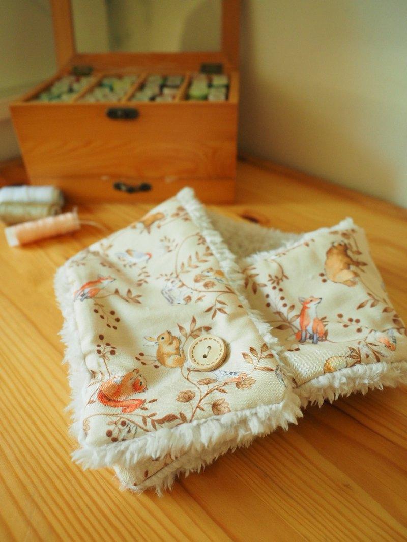 手工縫製保暖圍巾圍脖頸巾 杏色森林小動物圖案