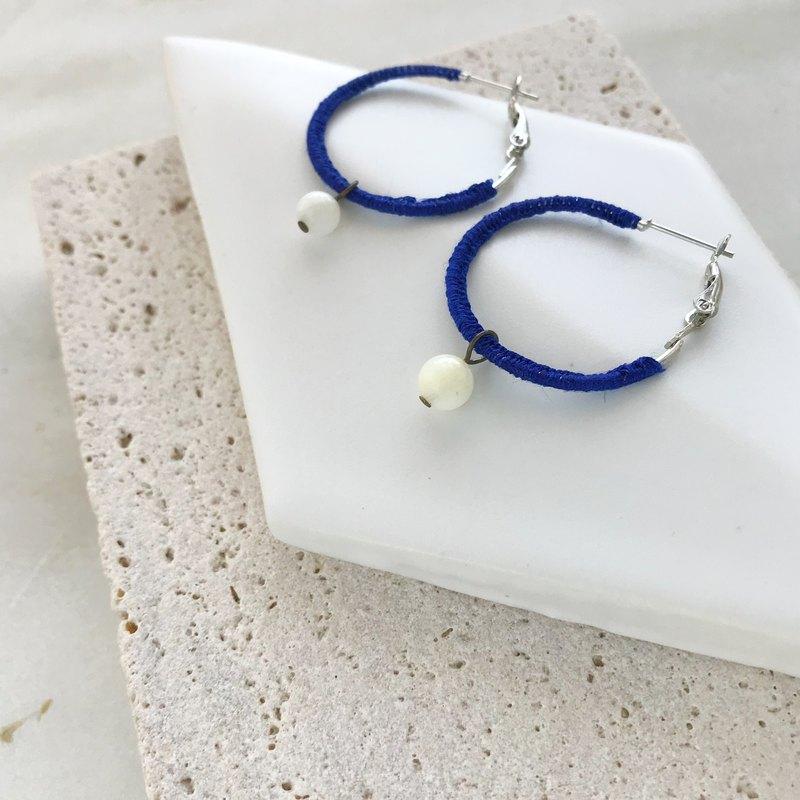 亞麻和玫瑰圈耳環