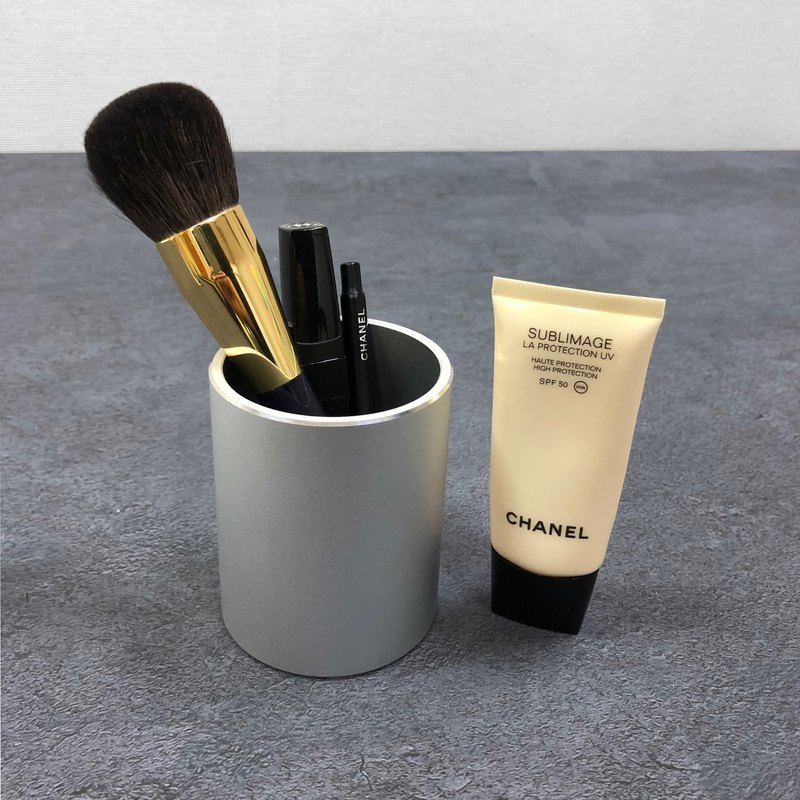 【限時特價】ENABLE 極簡 鋁合金 化妝刷/化妝用品 置物筒 筆筒