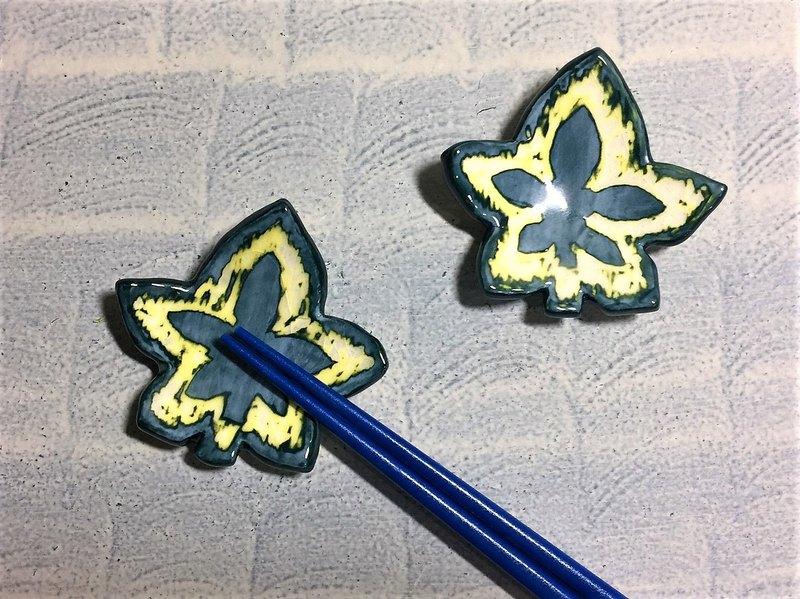 楓葉綠了筷子架_陶器筷架