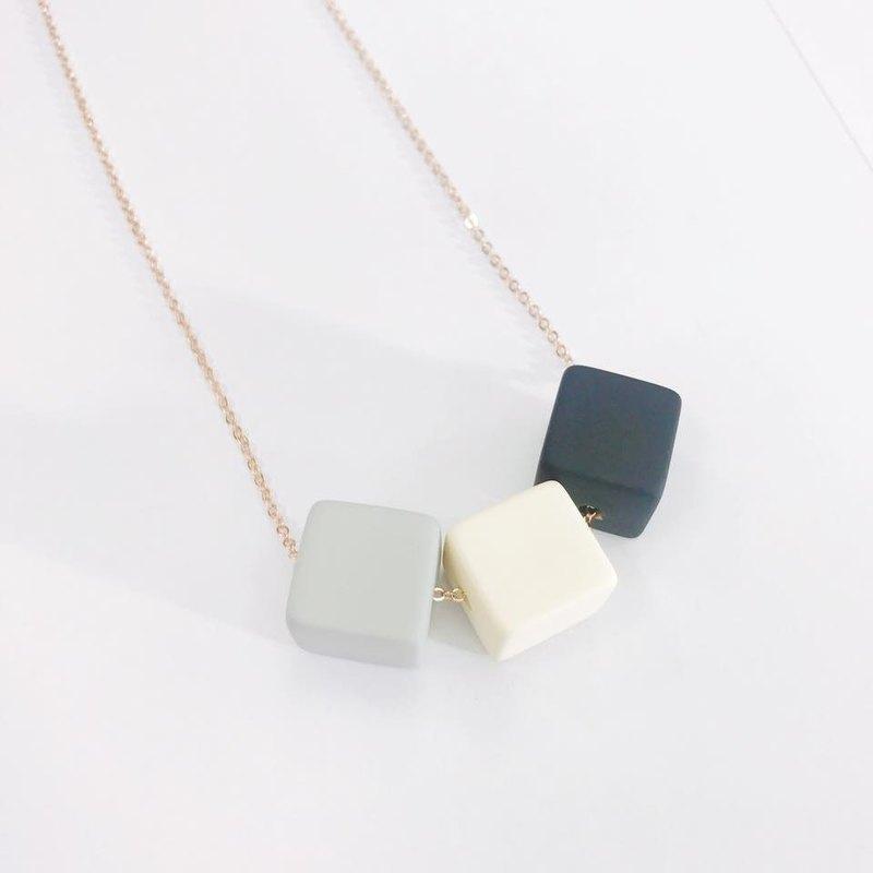 黑白灰 型珠子頸鏈 項鍊 頸鍊 項鏈  生日禮物