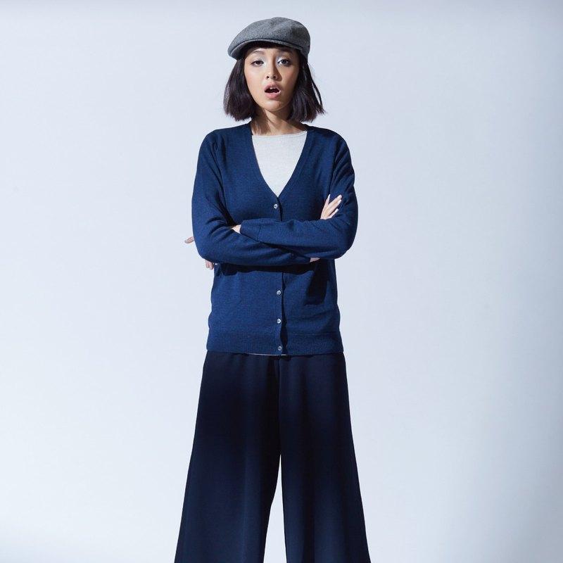 羊毛機能V領百搭針織外套 - 經典藍