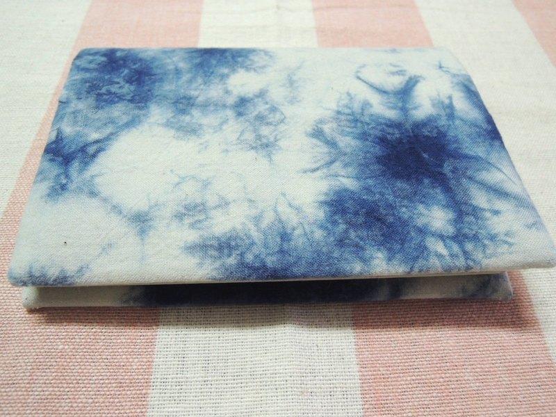 【姆姆草木染】藍染護照夾(天空款)