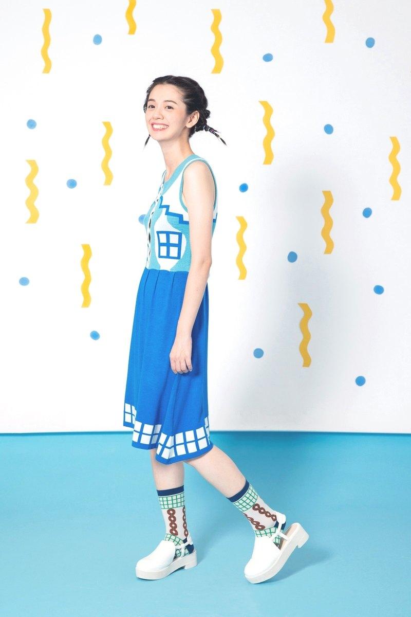 天藍度假小屋排扣無袖洋裝
