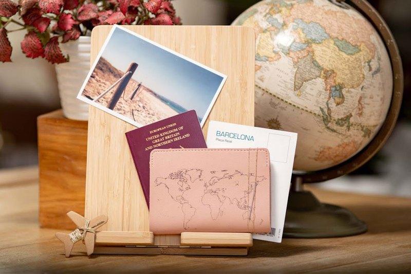 個人專屬 真皮地圖護照套(迷霧粉)