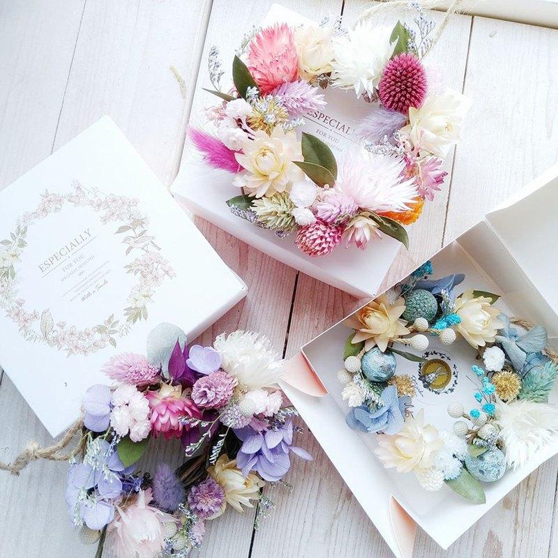 PJ小花園* | 乾燥花壁掛小花圈 禮盒 |畢業禮物 辦公桌小物 多色