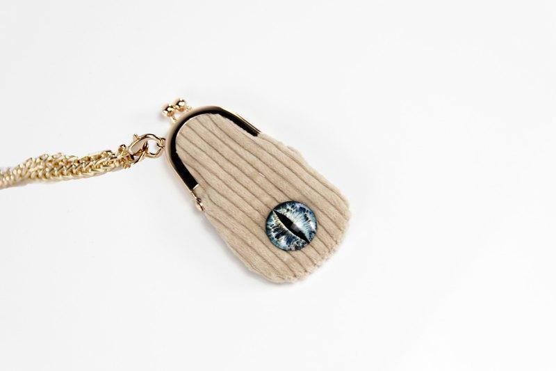米色口金包/鏈條包/口紅包,可做配飾,可裝口紅,配有可拆卸鏈條,鏈條長度110籌碼,可斜挎。